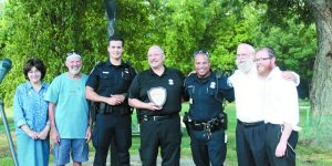 Grateful Congregation: Bais Chabad picnic salutes West Bloomfield Police.