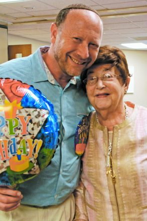 Rabbi Sleutelberg with his late mother, Edith