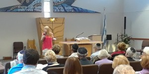 Heidi Budaj addressed the topic of Anti-Semitism at B'nai Moshe