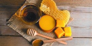 How bees and honey contribute to the Rosh Hashanah tradition