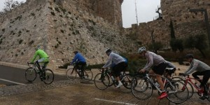 Cross-country cycling adventure shows solidarity with Israeli soldiers