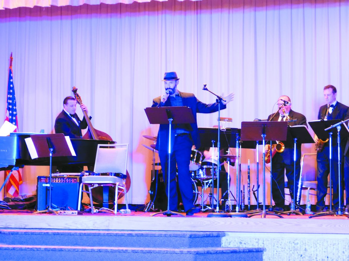 Chazzan Daniel Gross of Adat Shalom Synagogue and the Cliff Monear Big Band entertained the crowd of more than 270 guests throughout the evening.