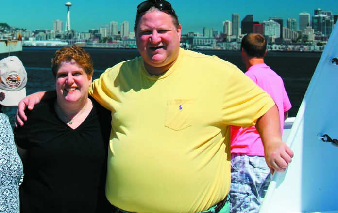 Before changing his lifestyle: Ira Goldberg at 400 pounds with his wife, Nancy.
