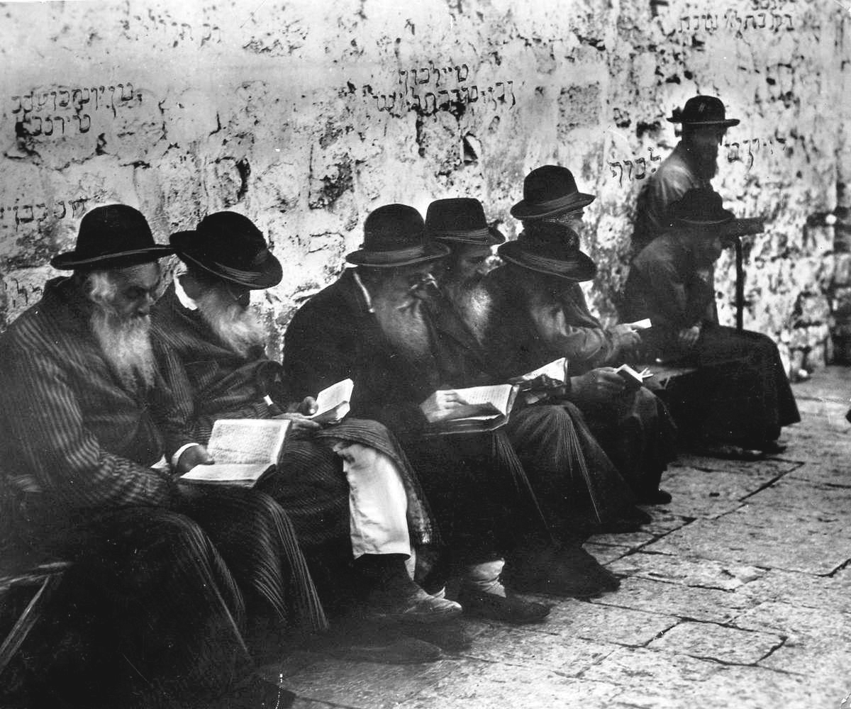 Men pray at the Western Wall in 1929. Credit: Wikimedia Commons