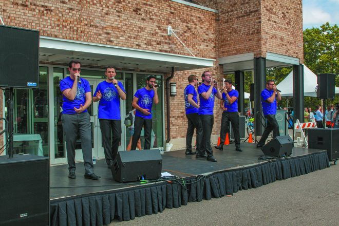 The Maccabeats entertain the crowd with their a cappella music.
