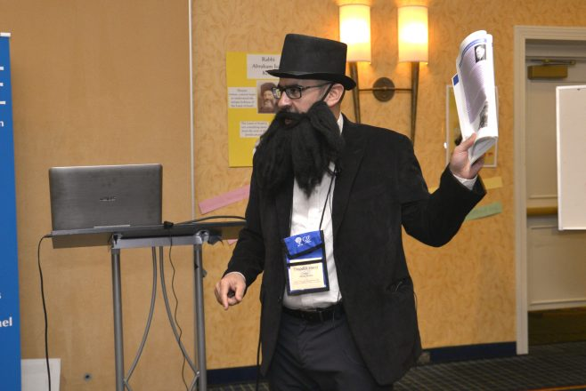 Center for Israel Vice President Rich Walter is not above dressing up as Theodor Herzl to teach about the Zionist Congresses.