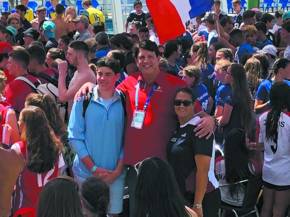 Gordon meets 6-foot-11 former NBA player Danny Schayes and his son Logan at the International Maccabi Youth Games in Israel.