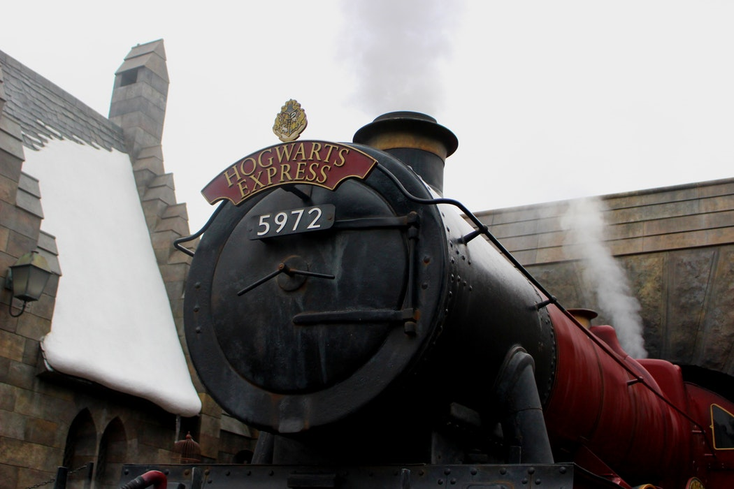 close up of the Hogwarts Express 5972