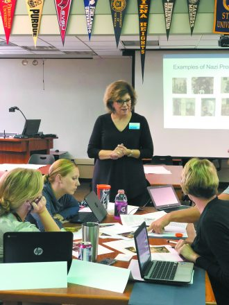 Robin Axelrod conducts a teacher training session.