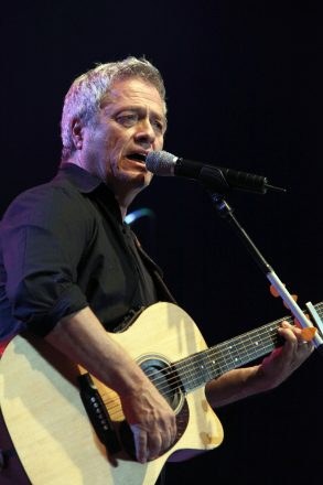 Singer Shlomo Artzi performing at the Tel Aviv Fairgrounds.