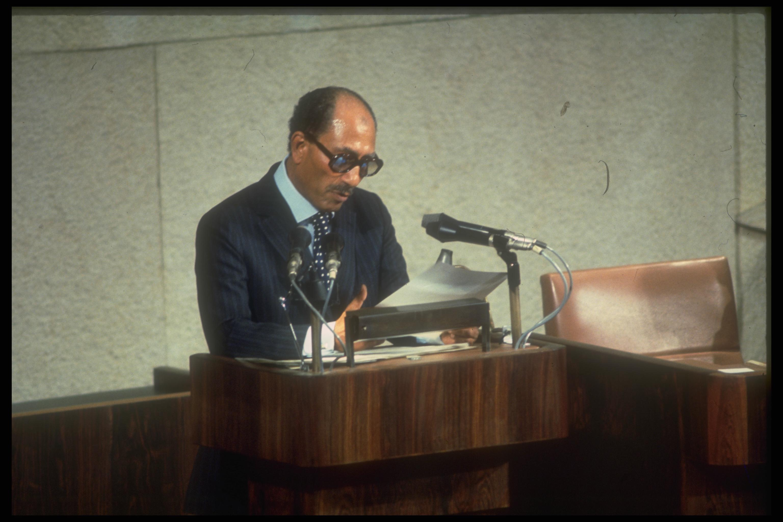 EGYPTIAN PRESIDENT ANWAR SADAT ADDRESSING THE KNESSET DURING HIS HISTORIC VISIT TO ISRAEL, JERUSALEM.