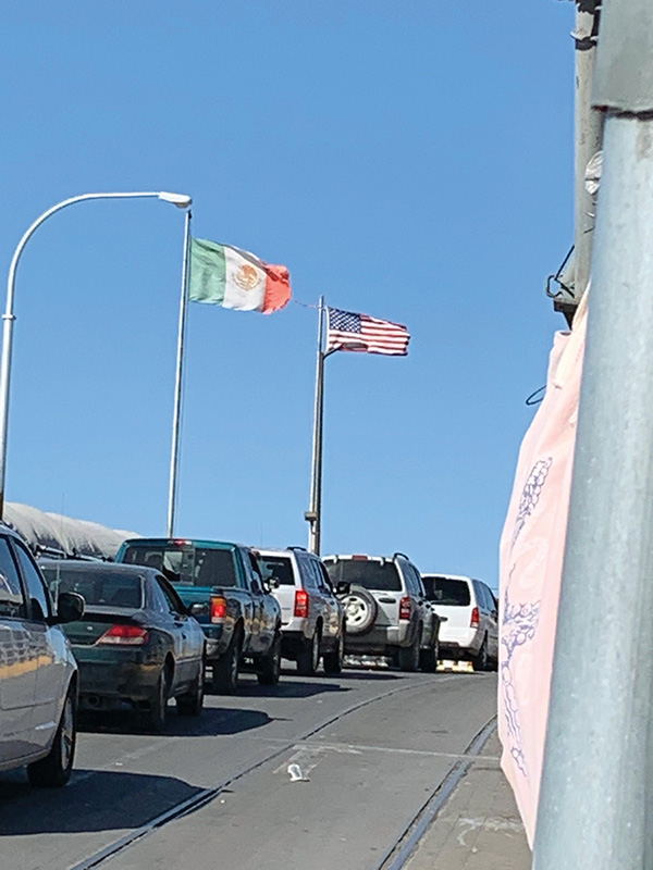 Traffic at the border between Mexico and the U.S.