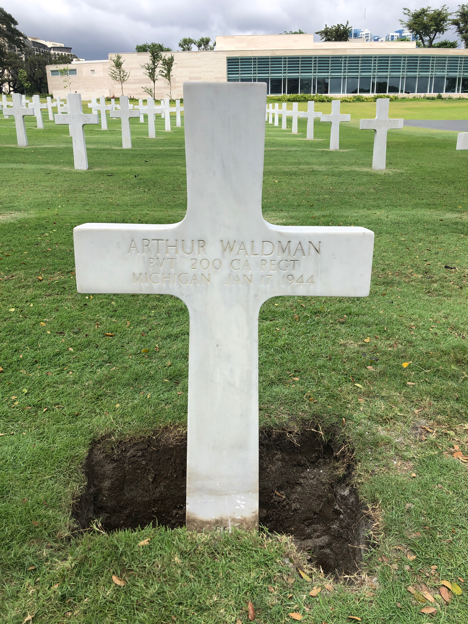 Waldman Original Cross Grave Marker