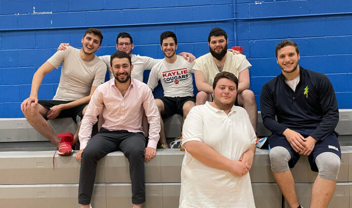 The Dovid Ben Nuchim-Aish Kodesh team lost a close game on opening night of the Detroit Shul Basketball League.