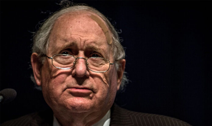 Former U.S. Sen. Carl Levin speaks at the headquarters of the World Bank in Washington, D.C., May 23, 2015.