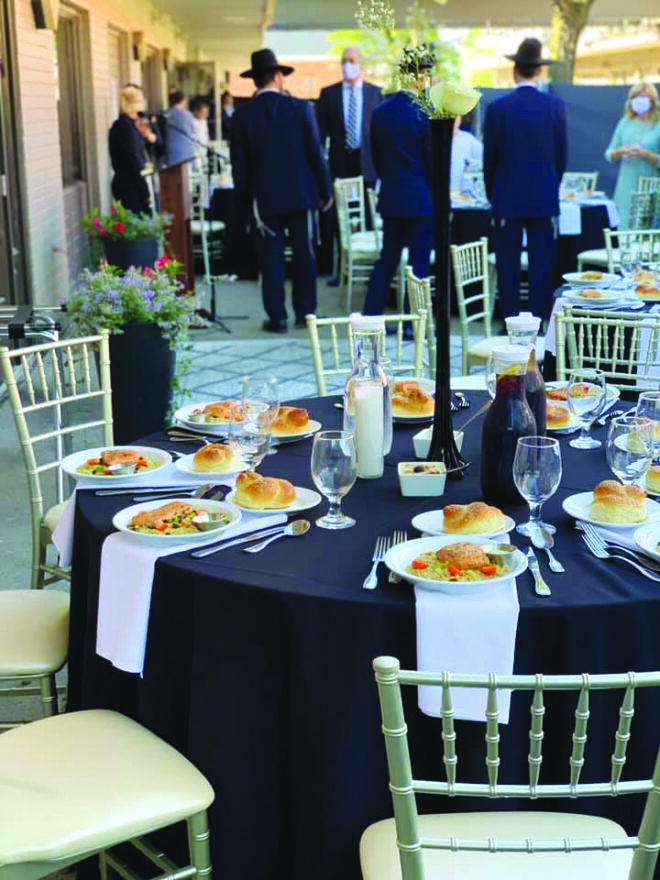 Prime 10 offers outdoor dining.