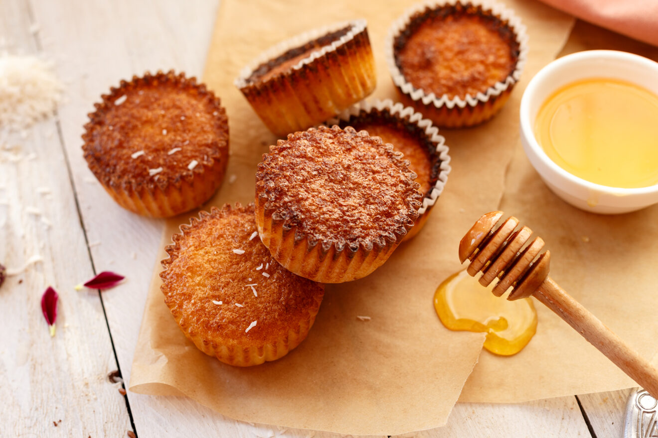 Cupcakes with coconut and honey