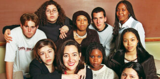 Erin Gruwell, center, with some of her early Freedom Writers.
